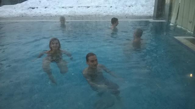 La piscina esterna del centro benessere Ziva, Bled