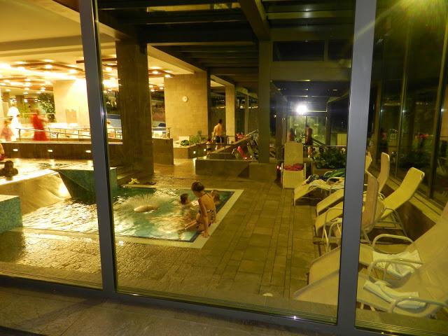 Le piscine interne del Centro benessere Ziva, Bled