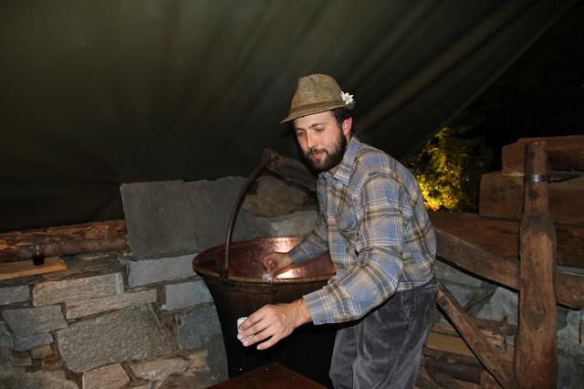 Lavorazione del latte nel Calech serata il Bitto e le stelle 2015