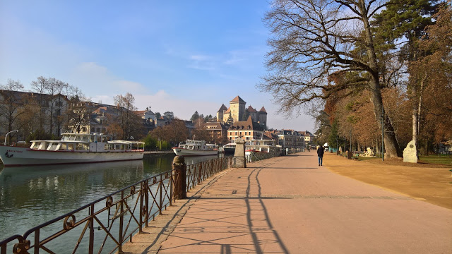 Lungolago di Annecy e Castello