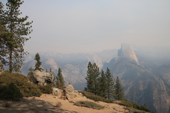 Half Dome visto dal Glacier Point all'interno dello Yosemite National Park