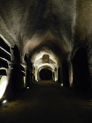 Le Catacombe di San Gennaro e il Cimitero delle Fontanelle